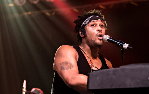 D'Angelo BET