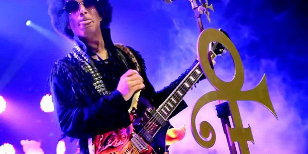 Prince_Live_in_Manchester+2014