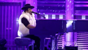 D'Angelo late_night_with_jimmy_fallon_dangelo