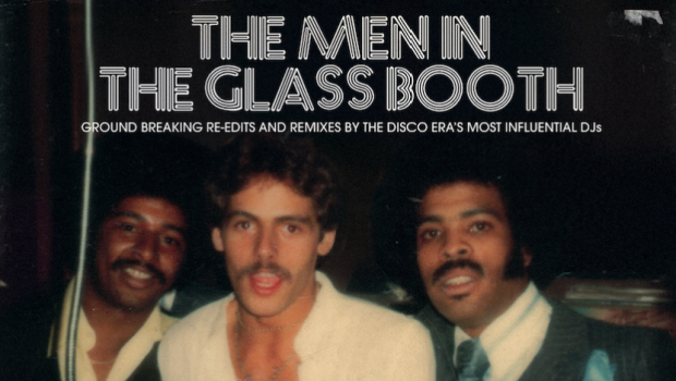 Men glass booth une