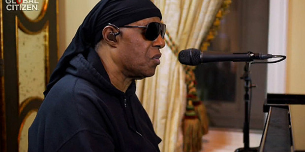 stevie-wonder-on-one-world-concert
